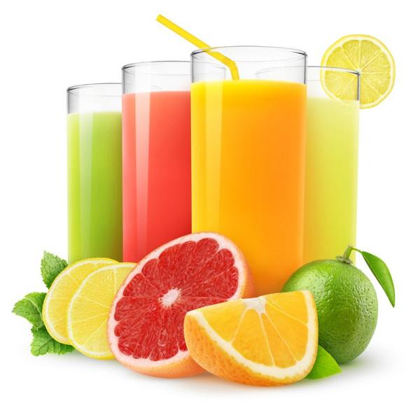 Пить свежевыжатые соки