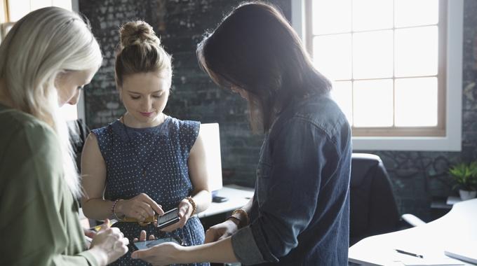 Привычки, которые мешают женщинам быть лидерами