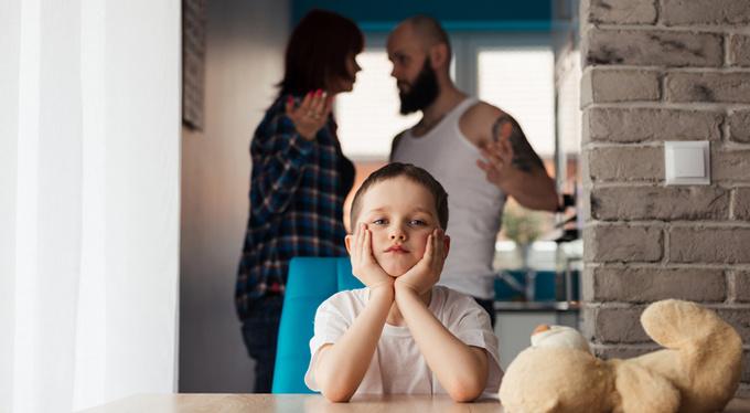 5 нездоровых шаблонов отношений, вызванных детскими травмами