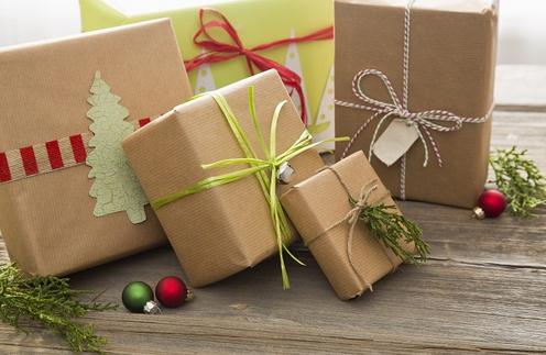 Не забудьте красиво оформить подарок!