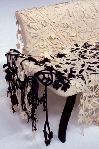 «Цветочный» чехол Loop с бессчетными прорезями – изобретение голландского дизайнера Торда Бонтье. Moroso, салон «Флэт-интерьеры», Галерея дизайна Room.