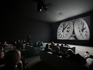 Инсталляция Кристиана Марклея «Часы»