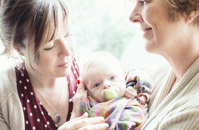 почему у нас любят критиковать матерей