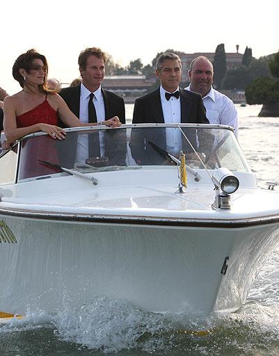 Джордж Клуни (George Clooney), Синди Кроуфорд (Cindy Crawford), Рэнди Гербер (Rande Gerber)