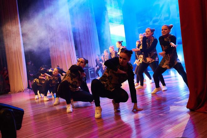 красивые танцовщицы Волгоград