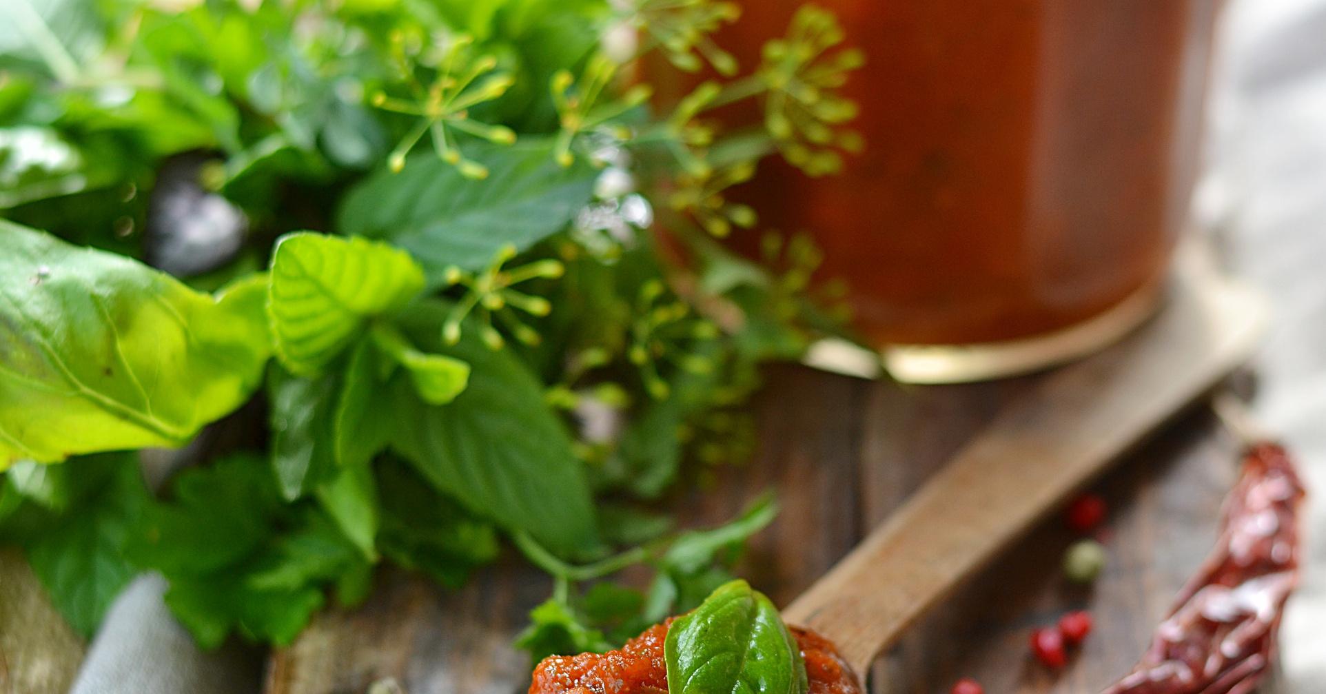 Огурцы с кетчупом чили рецепт с фото