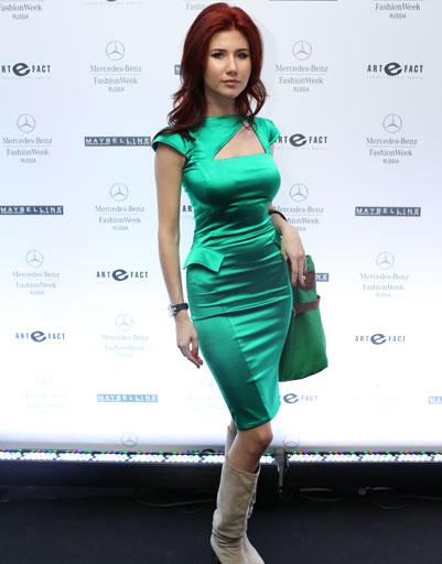 Анна Чапман на Mercedes-Benz Fashion Week весна-2013
