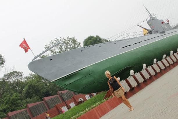 Подлодка на суше - такое только во Владивостоке!