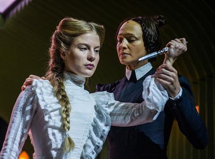 Спектакль «Тартюф» на сцене Электротеатра Станиславский