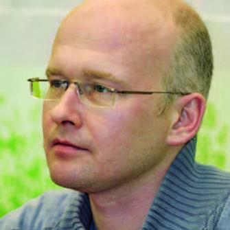 – специальный корреспондент газеты «Ведомости», лауреат премии «Золотое перо России», писатель.