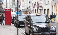 Британского автолюбителя задержали за руление ногами
