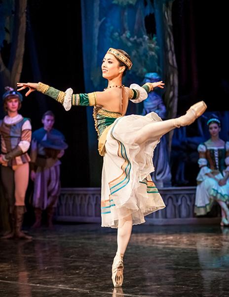 Мики Нисигути, балерина, фото