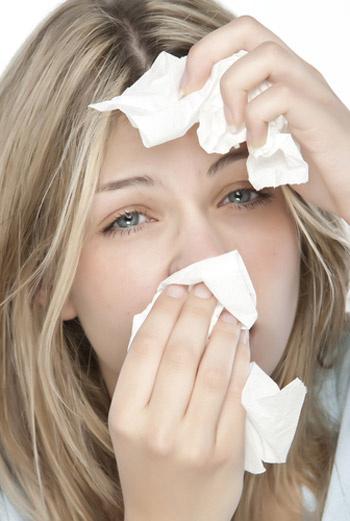 Кондиционеры, с одной стороны, очень облегчают нашу жизнь, а с другой – являются распространенной причиной простуд.