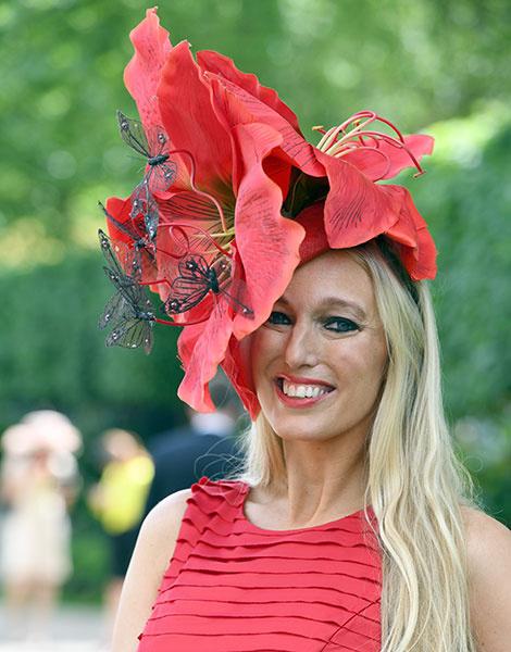 Королевские скачки в Аскоте: парад шляп   галерея [1] фото [31]