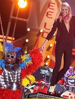 Гвинет Пэлтроу (Gwyneth Paltrow) на сцене «Грэмми»-2011