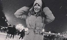 Юлия Ковальчук показала, как кататься на коньках
