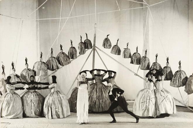Сцена из балета «Ода». 1928. Studio Lipnitzki. Paris.