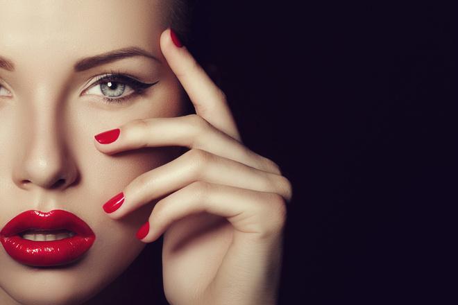 макияж глаз при красной помаде