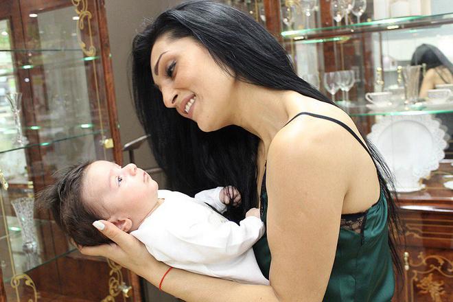 Элина Асоева, мастер по шугарингу, фото