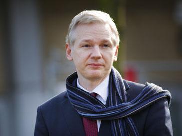 Джулиан Ассанж (Julian Assange) полагает, что на британского судью давили власти США
