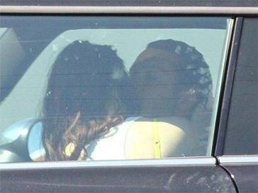 Романтическое свидание Кристен Стюарт (Kristen Stewart) и Руперта Сандерса в ее автомобиле