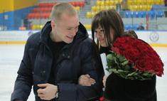 Красноярец сделал предложение любимой на хоккейном матче