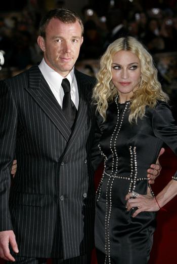 В это Рождество у Мадонны и Гая Ричи будет восьмая годовщина свадьбы