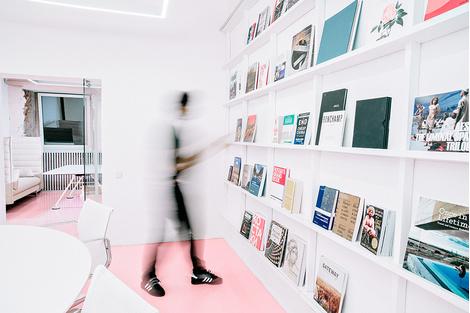 Жизнерадостный интерьер офиса: проект в деталях | галерея [1] фото [13]