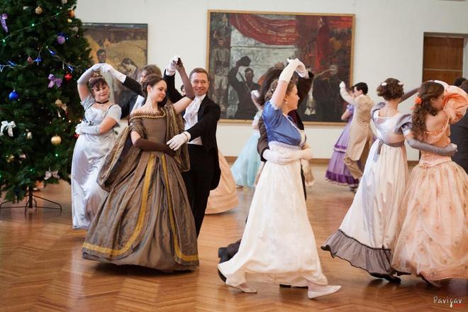 танцевальные вечера в усадьбе Сукачева