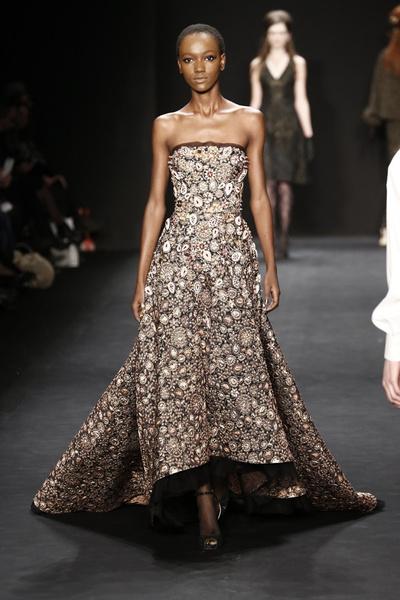 Самые роскошные вечерние платья Недели моды в Нью-Йорке | галерея [1] фото [12]