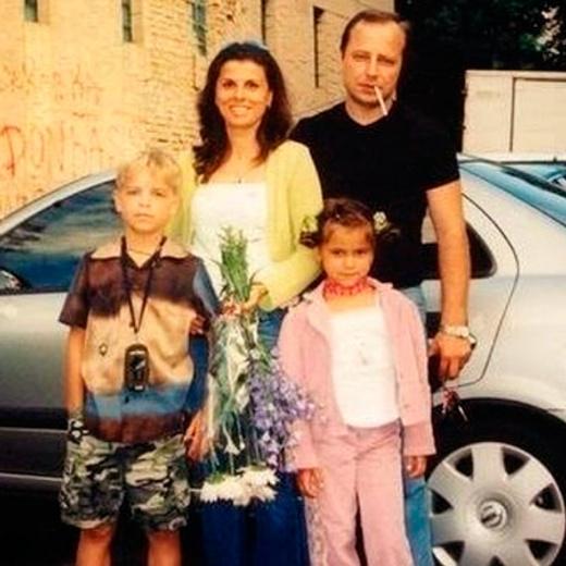 Мила Сивацкая с семьей