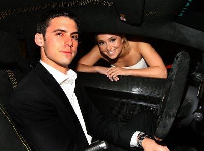 Хэйден дала посидеть за рулем нового автомобиля одному из своих коллег