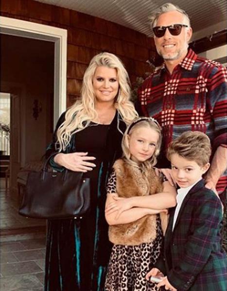 Джессика Симпсон с детьми фото