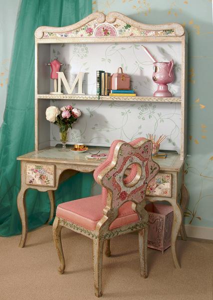 Коллекция мебели для детской канадской компании Mosaicwares