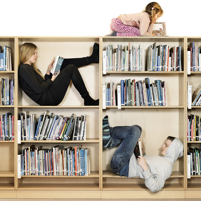 reading books or watching tv essay The beauty of a book is you can travel with it as long as you want when you re-read a book, you take a different journey altogether with probably even better imagination.