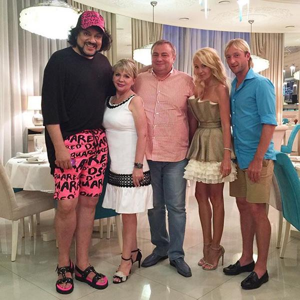 Филипп Киркоров появился на публике в розовых шортах