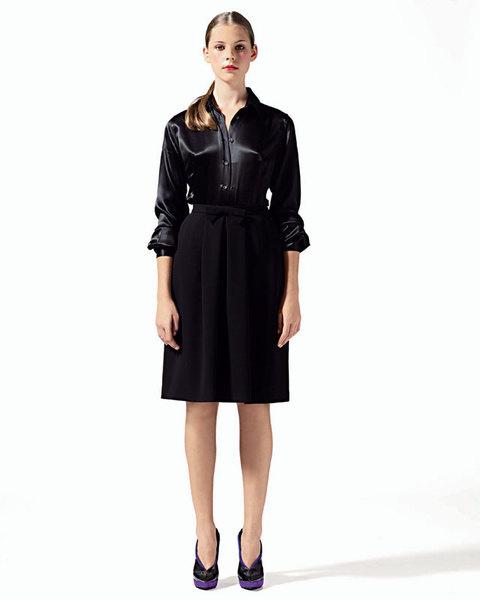 Блуза из шелка и юбка со складками и бантом, Aspesi;туфли, Donna Karan