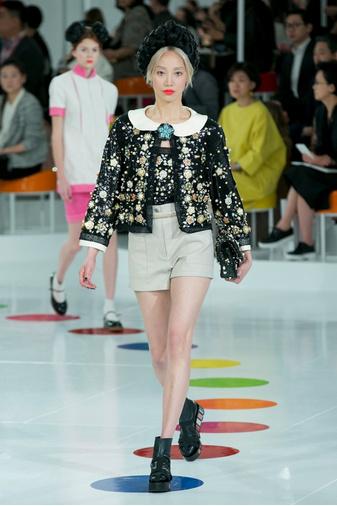 Показ круизной коллекции Chanel в Сеуле | галерея [1] фото [20]