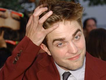 Роберт Паттинсон (Robert Pattinson) хочет нанять двойника