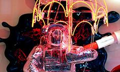 Шок: в витрине ДЛТ сгорел космонавт