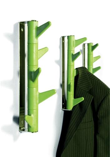 Вешалка настенная Oka Wall, Inno, design-boom.ru, 4 990 руб. Настенная вешалка для одежды напоминает стебель или ствол растения с шипами, которые служат крючками. Состоит из трех поворотных элементов, «нанизанных» на общий стержень. Варианты расцветок -