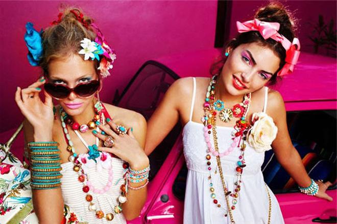 Яркие акценты летнего гардероба