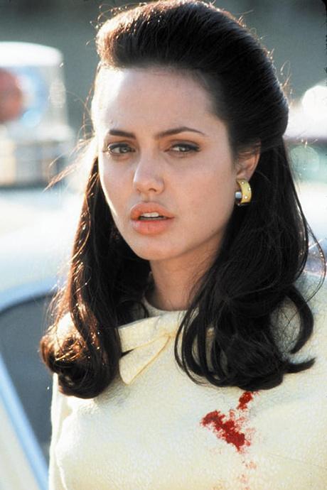 Анджелина Джоли пластика