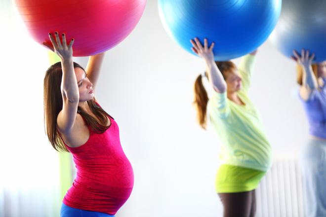 Поднимать вверх руки беременным 46