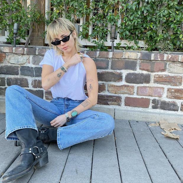 Фото №1 - Сошла с пути истинного: Майли Сайрус сорвалась и вернулась к своей зависимости