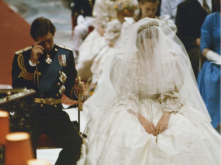 Фото №2 - Странные шутки Виндзоров и конфуз у алтаря: неизвестные факты о свадебном дне принцессы Дианы