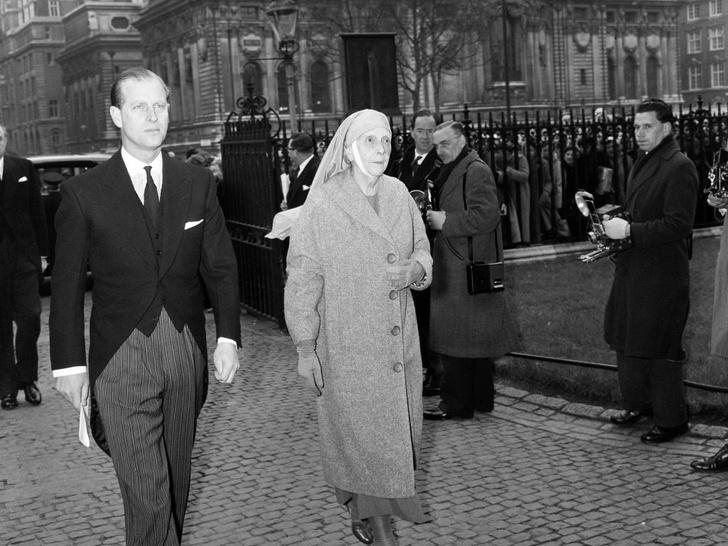 Фото №2 - Почему мать принца Филиппа была расстроена из-за его помолвки с Елизаветой