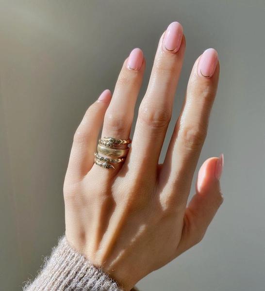 Фото №1 - Румяна для ногтей— самый необычный и нежный бьюти-тренд из Инстаграма