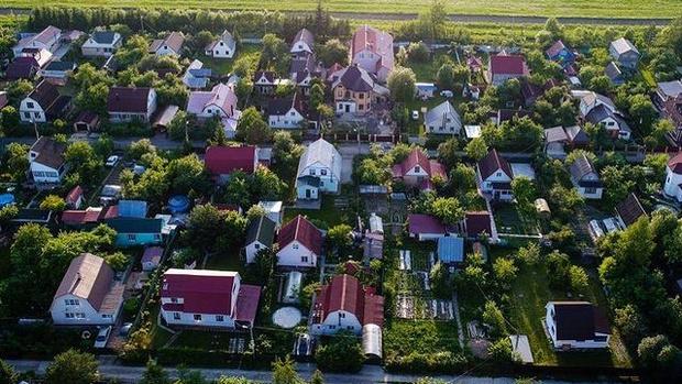 Фото №1 - Россияне смогут взять семейную ипотеку на строительство частного дома