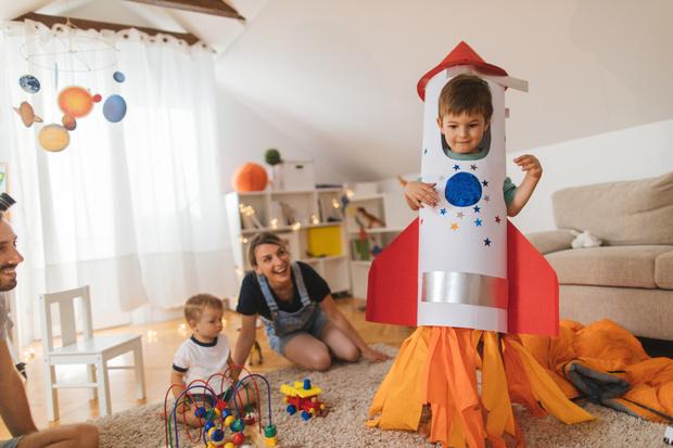 Фото №1 - В какие костюмы нельзя наряжать детей на Новый год